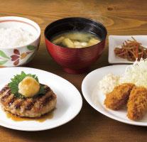 おろしハンバーグと牡蠣フライ定食(ドリンクつき)