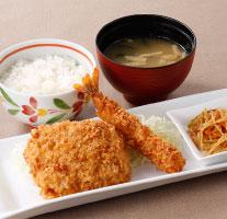 お箸で切れるとんかつ&海老フライ定食(ドリンクつき)